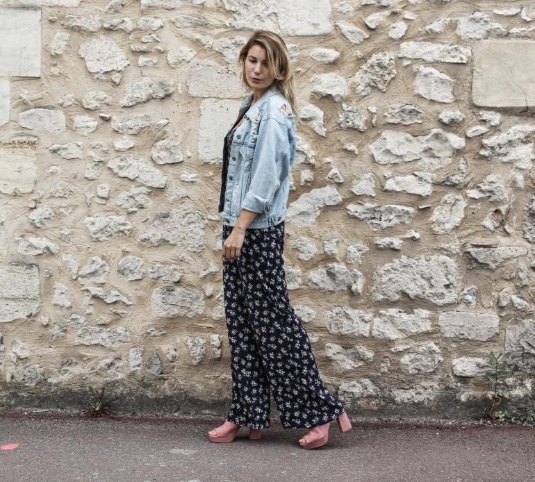 combinaison fleur et veste jean